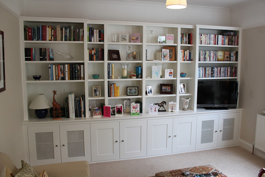traditional-fitted-bookckase urban wardrobes